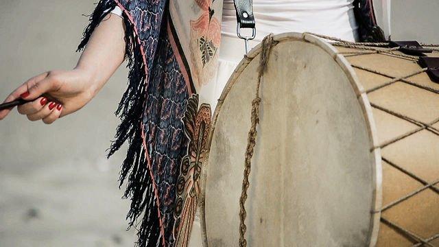 """""""Poślubiając korsarza"""" (Mary The Corsair) – wyjątkowy film z plenerowej sesji poślubnej Marzeny i Mateusza z przepiękną muzyką w tle."""