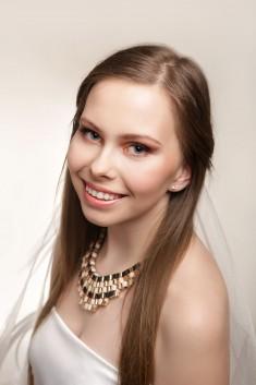 Stylizacja z makijażem ślubnym dla Aleksandry – Atelierum