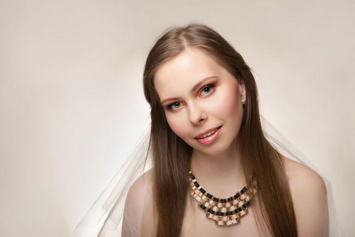 Czy stylistka / makijażystka ślubna potrafi odmienić styl fotografii dla Pary Młodej? Artykul z  ...