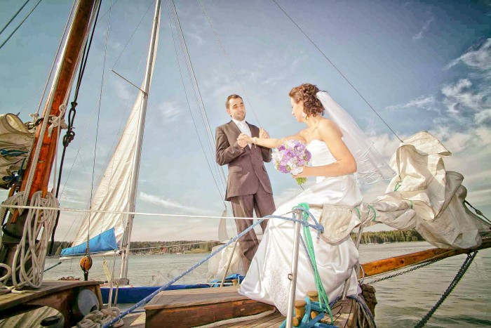 Czerwiec, lipiec i sierpień miesiącami gorących ślubów – fotografia ślubna oraz sesja plenerowa. ...