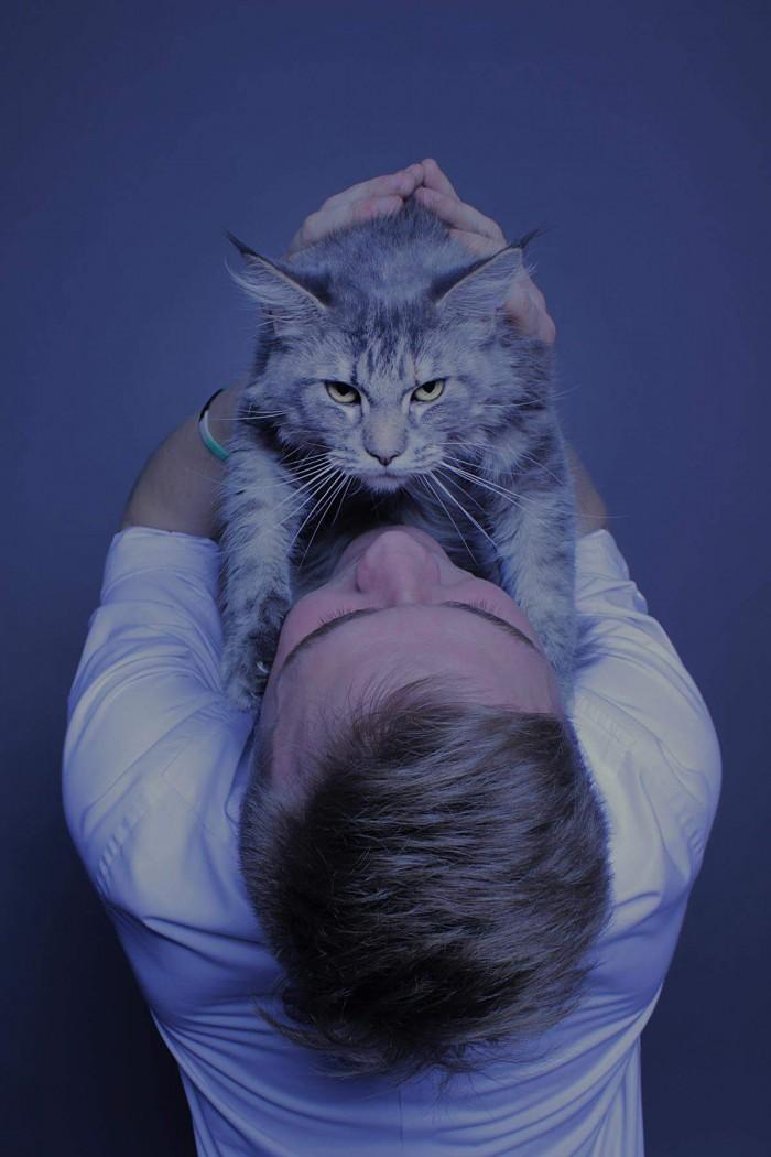 Kot vs jego Pan Modelka: Frida Model: Dawid Fotograf: Karolina