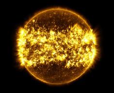Eksplozje Słońca. Zdjęcie NASA otrzymane przez połączenie 23 pojedynczych zdjęć wykonanych międz ...