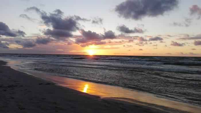 Zachód słońca – plaża lubiatowo